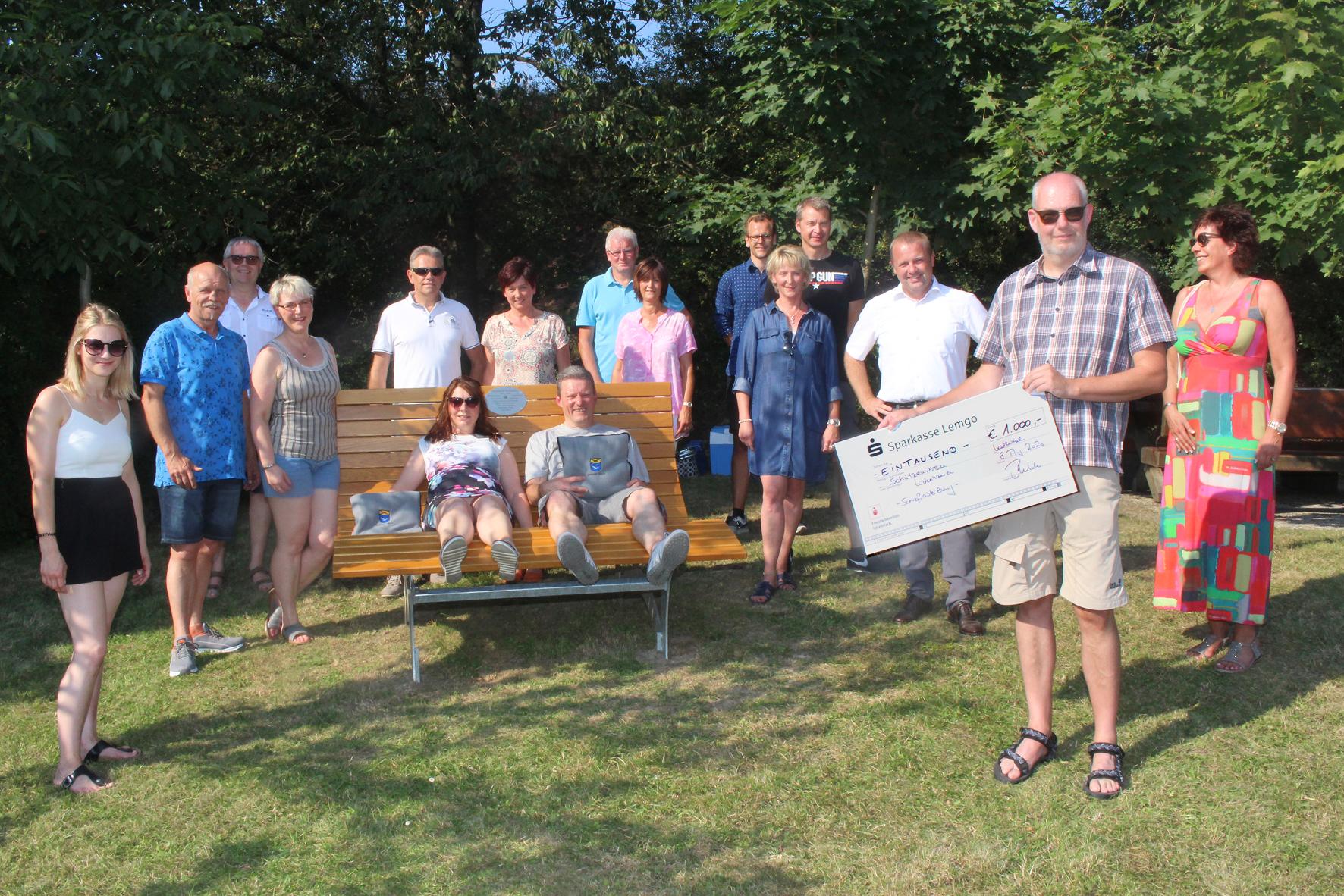 Schützenthron stiftet Wald-Bank
