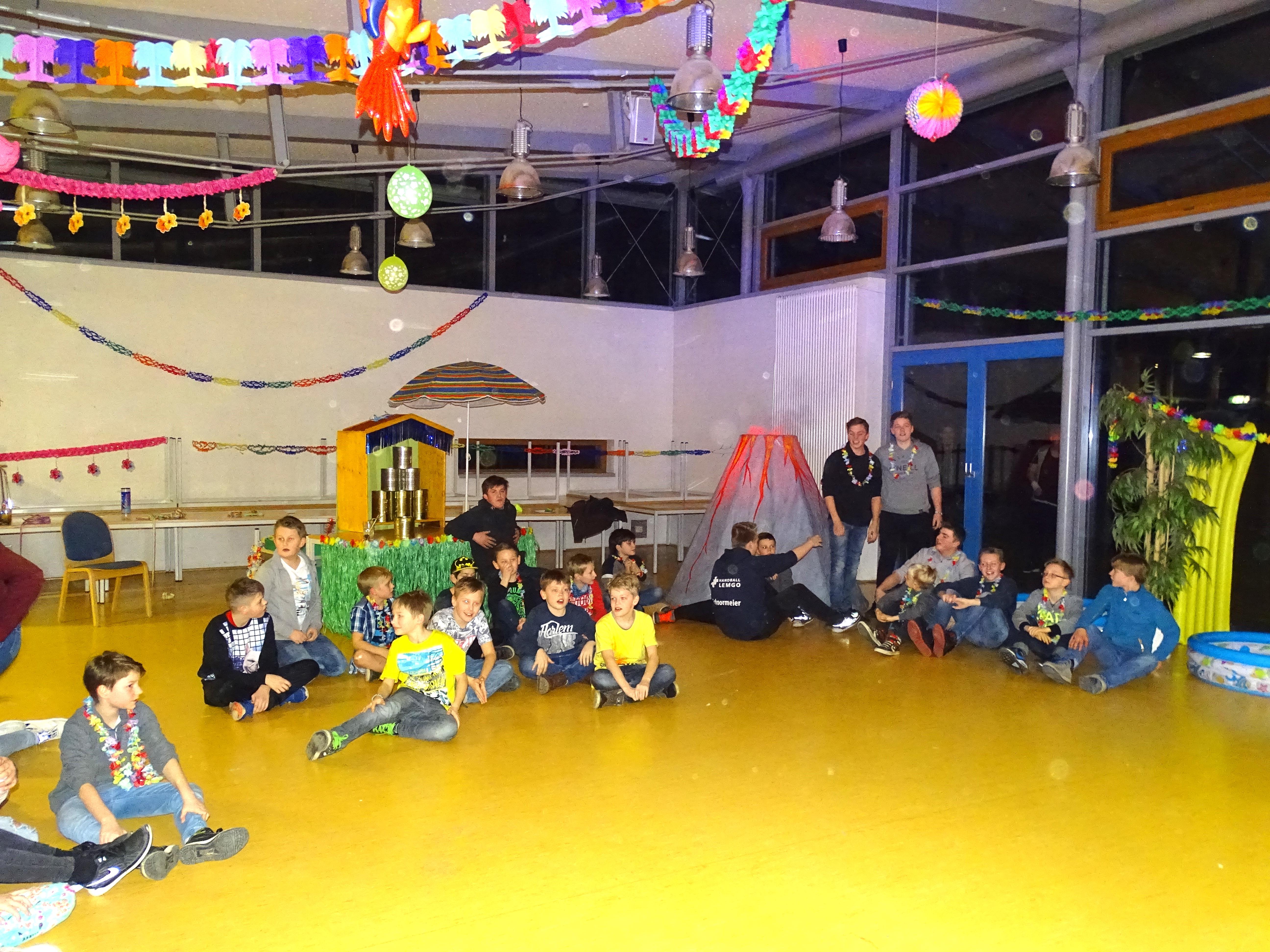 Hawaii-Party in Lüdenhausen – ein voller Erfolg mit viel Spaß und Spielen