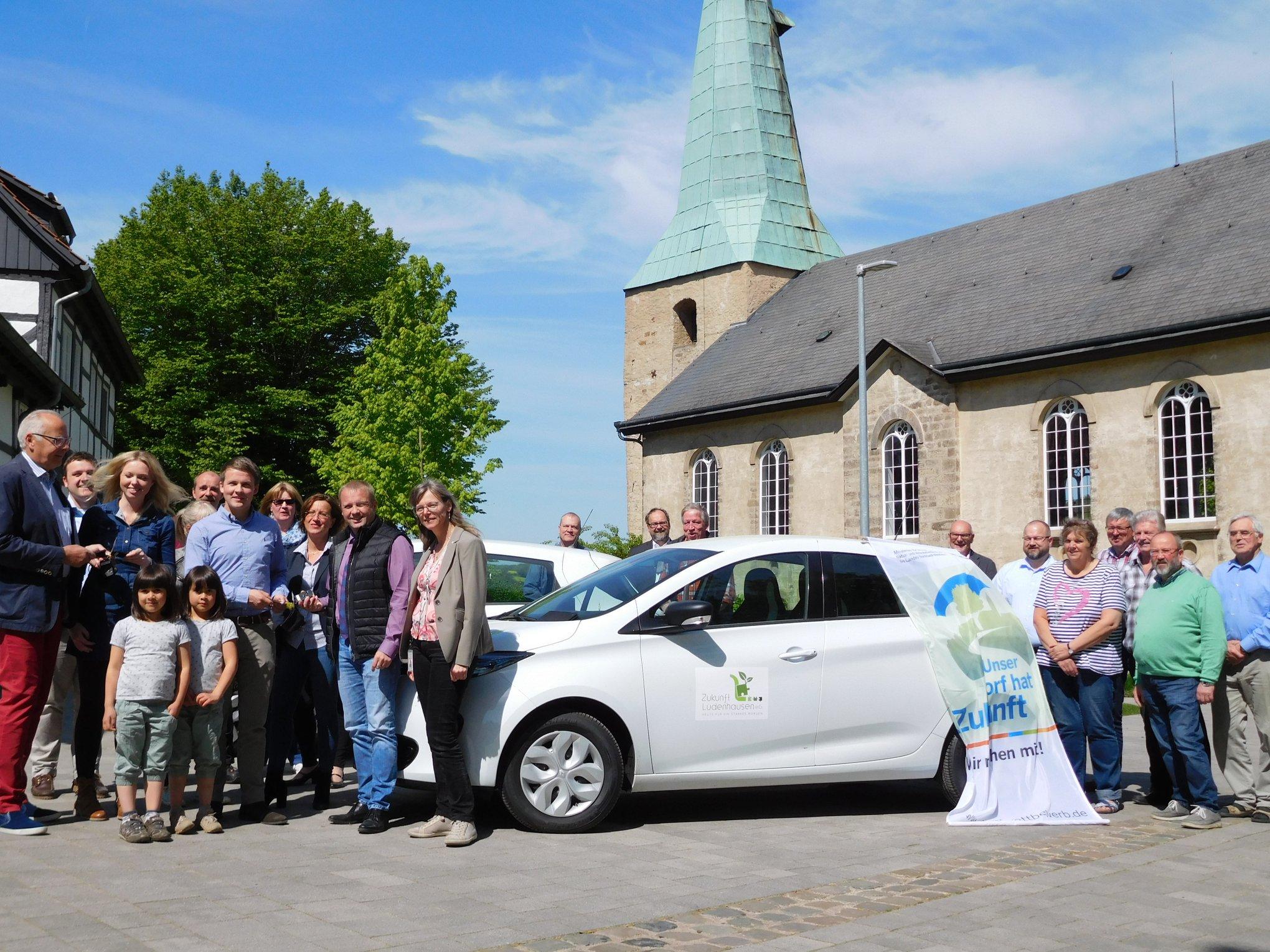 E-Dorfautos für Lüdenhausen …