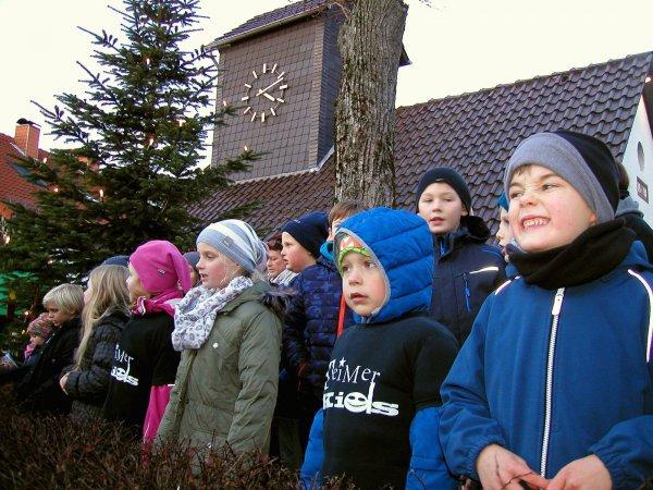 Dorf stimmt auf den Advent ein – Weihnachtsmarkt 2016